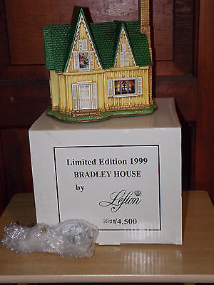 Lefton Colonial Village~1999~Limted Edition~BRADLEY HOUSE~11999~Deed~Box~Light