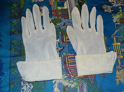 Vintage Ladies/Girls Sheer White GLOVES w/ Delicate Embroidered CUFFS VG COND.