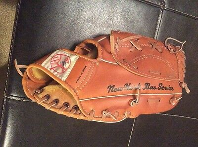Vintage New York Bus Service Bronx Yankees Sga Stadium Give Away Baseball Glove
