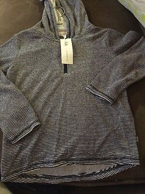 New  -BEBE- BOYS LONG SLEEVE TERRY TOWELLING AFTER SWIM TOP SIZE 5 RRP $46.95