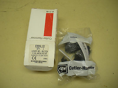 Cutler Hammer 3 Position Lever Switch E22VL1D