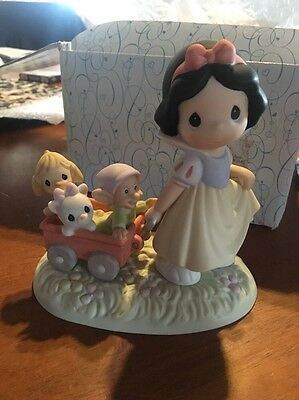Precious Moments Disney Snow White - Heigh Ho, It's Off To Play We Go #630038