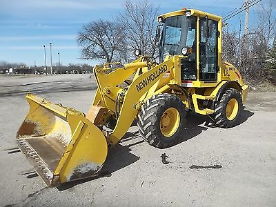 New Holland LW80.B Compact Wheel Loader with Bucket and Forks-937 Original hours