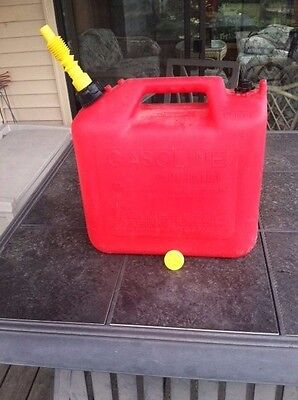 Wedco 5 gallon gas can w/ spout, vent, & seal cap