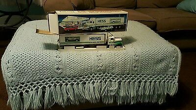 Brand New In The Box Hess 1992 18 Wheeler And Racer