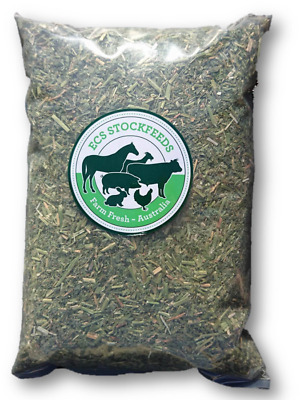 Fine Cut Lucerne Hay for Rabbits, Guinea Pigs & Small Animal Food 500G