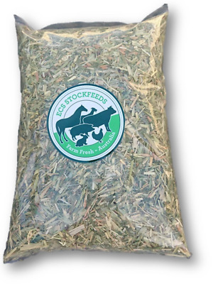Fine Cut Lucerne & Oaten Hay for Rabbits, Guinea Pigs & Small Animal Food 500G