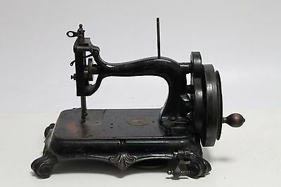 Vintage  THE ATLAS SEWING MACHINE COMI & LONDON (ADLER)