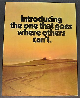 1971 Jeep Brochure Wagoneer Gladiator Pickup Truck Universal Jeepster Commando