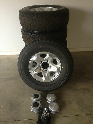 5 x Genuine Landcruiser GXL 76 78 79 alloy wheels and tyres 99% new