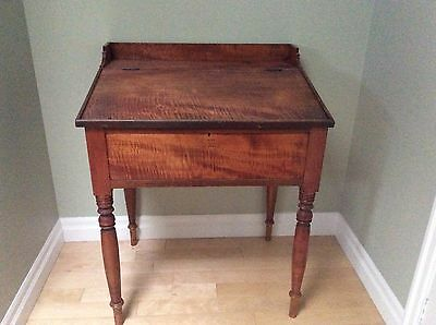 Slant top desk in Tiger Maple and Yellow Birch, c1850