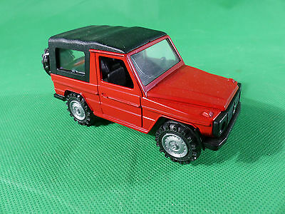 Cursor 679  Mercedes Benz 240 GD   G-Klasse Diecast mint condition rot