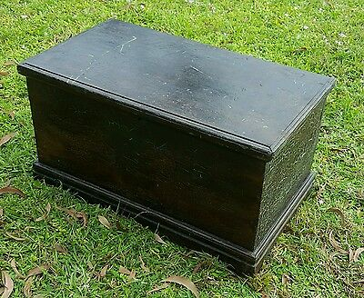 Beautiful Antique Vintage Trunk Coffee Table Blanket Tool Toy Chest