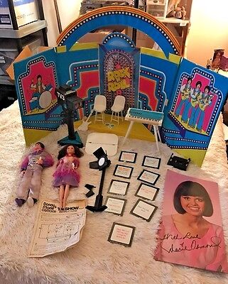 1976 Donny & Marie Osmond Mattel TV Show Vinyl Play Set Case with Dolls VGUC