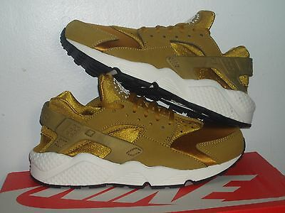 huge discount b182f 3414f Women s Nike Air Huarache Run Bronzine,Solid,Medium,Athletic shoes (634835  700