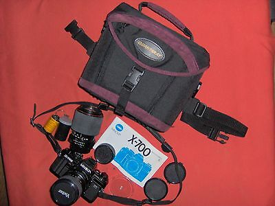 Minolta X-700 35mm SLR Camera with Zoom and Case
