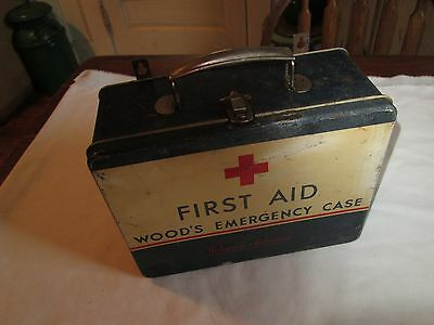 Nice Vintage JOHNSON & JOHNSON Woods Emergency Case + Contents First Aid Kit