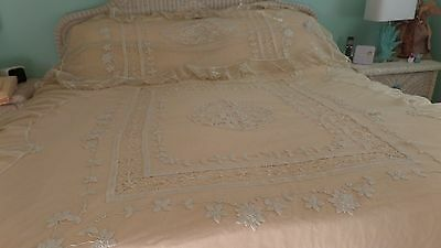 Exquisite Handmade Net And Lace Bedspread - French