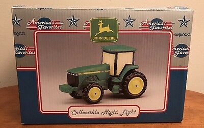 NEW John Deere Tractor 8400 NIGHT LIGHT by Enesco RARE Collectible