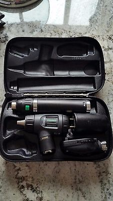 WELCH ALLYN DIAGNOSTIC SET 3.5v Lithium Handle - EXCELLENT CONDITION