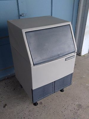 Scotsman AFE424A-1A Undercounter Flake Ice Maker - 395-lbs/day, Air Cooled, 115v