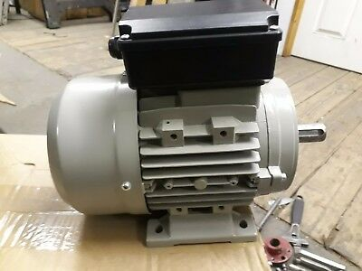 Single phase electric motor. Frame size 90s 1410 rpm 1.1kw 230v B3 Foot mounting