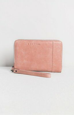 New Women's Rusty Runaway Leather Wallet Cameo Rose