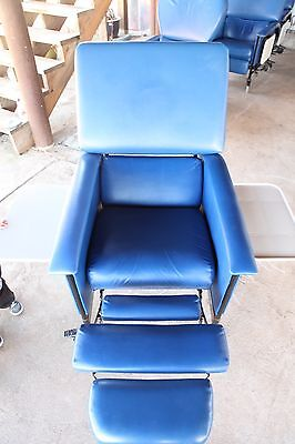 2 Medcor Patient Recliner Medical Dialysis Chair w/ 2 Side Tables