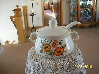 Bryon Mold Ceramic Vintage Floral Large Soup Tureen With Lid & Ladle.