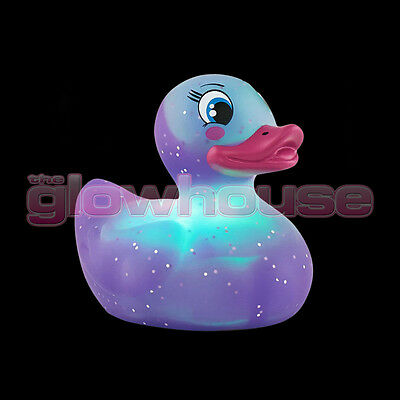 Colour Changing Purple Rubber Duck Bath Bathroom Mood Light Toy Baby Shower Gift