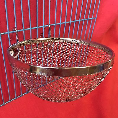 1 X Metal Mesh Canary Nest Pan Breeding Nest Pans finches Linnets 2 Hooks
