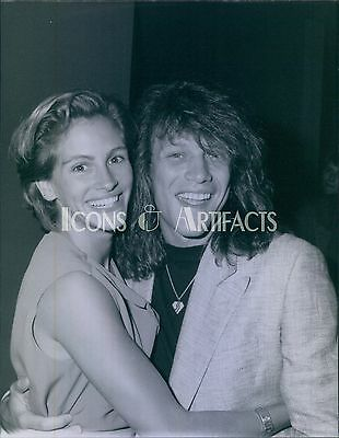 JON BON JOVI & JULIA ROBERTS 1990 Archive Press Photo