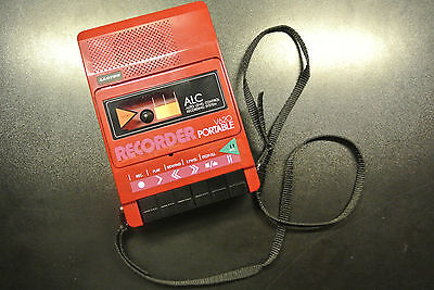 RED Lloyd's Vintage Cassette Recorder Player Portable with Carrying Case V620