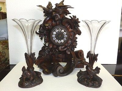 RARELY NICE ORIGINAL black forest TABLE CLOCK WITH TWO VASE