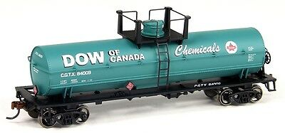 Athearn Roundhouse Dow of Canada Chemical Tank 3 Car Bundle - HO