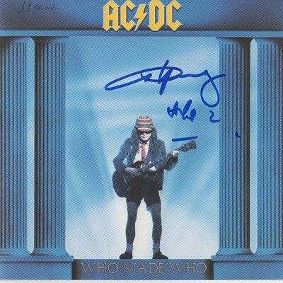 "Angus Young ""AC/DC"" Autogramm signed CD Booklet ""Who Made Who"""