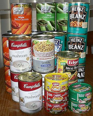 MIXED BOX OF TINNED FOOD x 32, BEANS, CARROTS, CURRY PASTES, soup, baked beans..