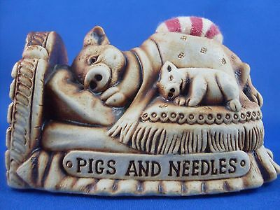 VERY Rare 80s SWAGMAN POTTERY PIGS & NEEDLES PINCUSHION Figurine Sew Collectable