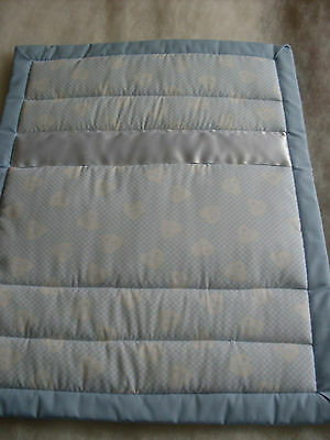 Pram / Crib Quilt - Pale Blue (Baby Hearts)