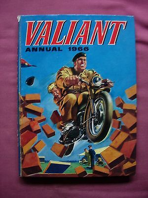 The Valiant Annual 1966 Clipped DC. Thomson Captain Hurricane Kelly's Eye FN/VFN