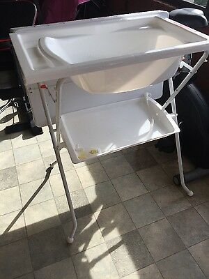 baby bath tub with stand and change mat