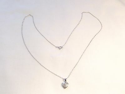 Pretty 9Ct White Gold & Diamond Heart With Chain
