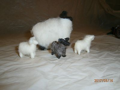 4 Older Woolen Animals 1 Ewe 2 Lambs 1 Llama Or Alpaca