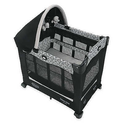 Graco Travel Lite Crib with Stages in Sutton