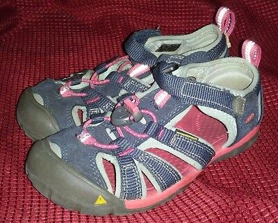 Youth Size 12 Keen Slip On Water Shoes Closed Toe Sport Sandals Purple Pink EUC