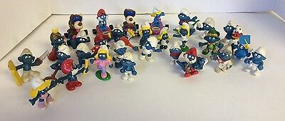 Vintage Collectible Toy Figures Smurf Lot of 30 Schleich Papa Smurfette PVC