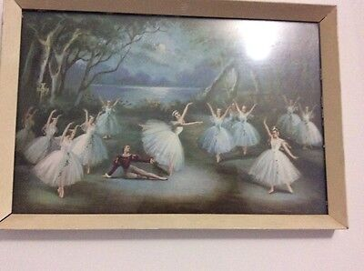 Old picture of ballerinas dancing in frame