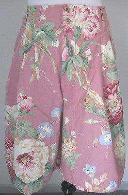 Vintage 80s 90s Banana Republic Floral Safari Bermuda Shorts size 12. MINT
