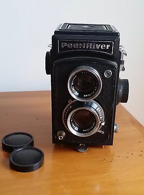 Pearl River TLR camera with Pearl River lens 3.5 / 75mm
