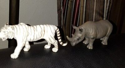 Lot 2 1 rhino and 1 white tiger figurines schleich rhinoceros  details 2001 NICE